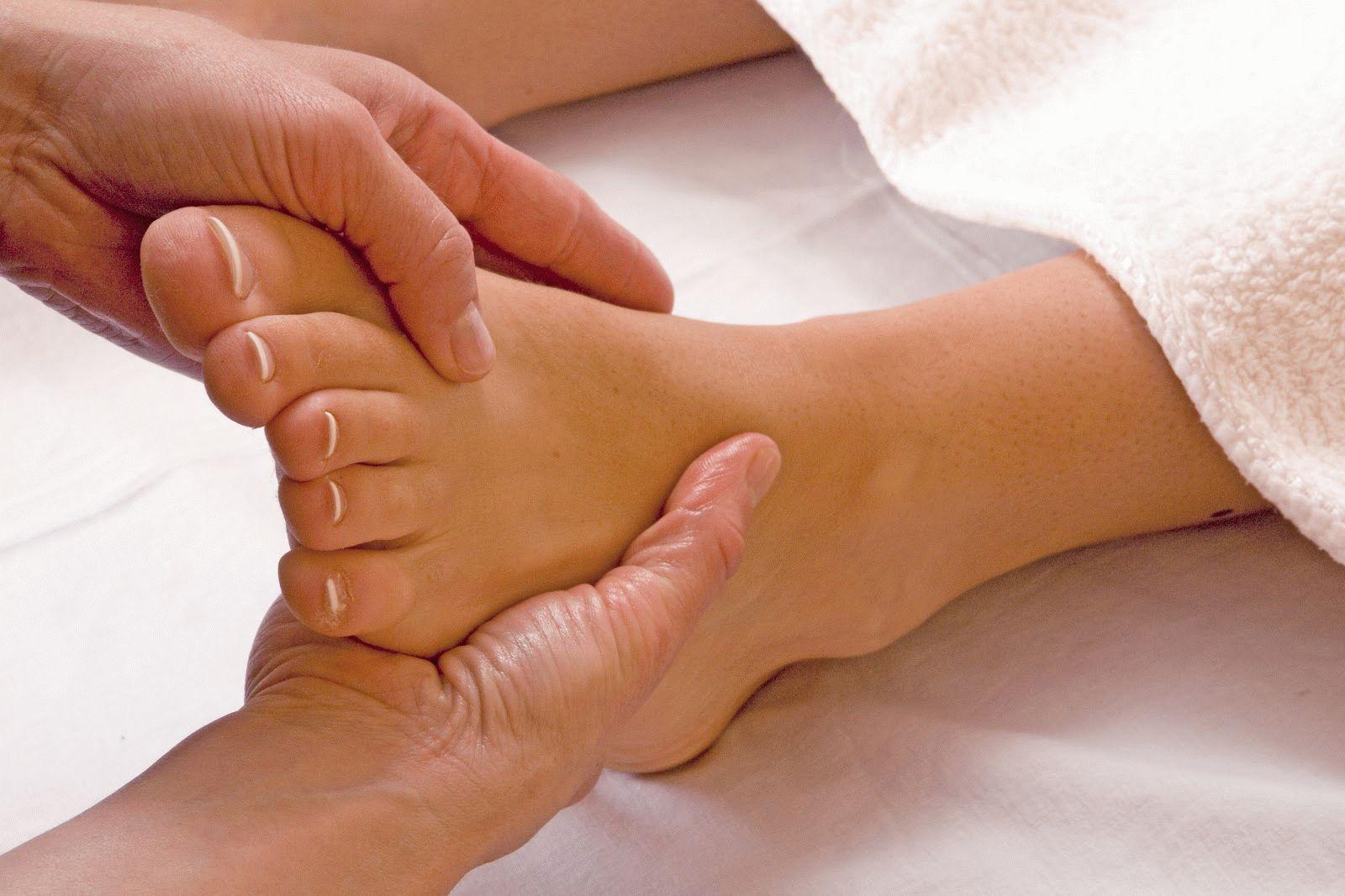 Болит косточка около мизинца на ноге симптомы