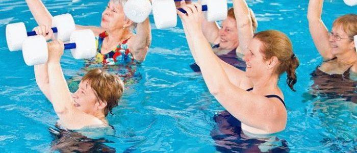 plavanie-pri-artroze-700x300