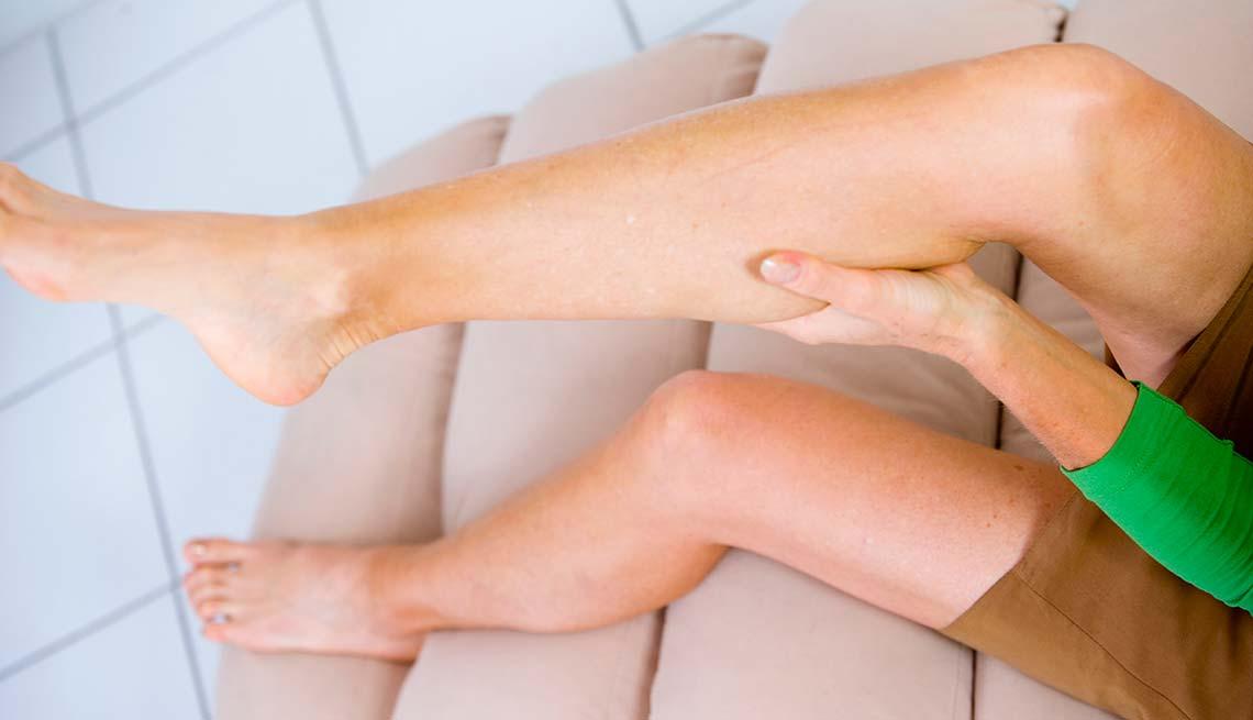 Почему сводит судорога ноги у беременной 85